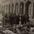 Holttestek a Dohány utcai zsinagóga udvarán a felszabadulás után